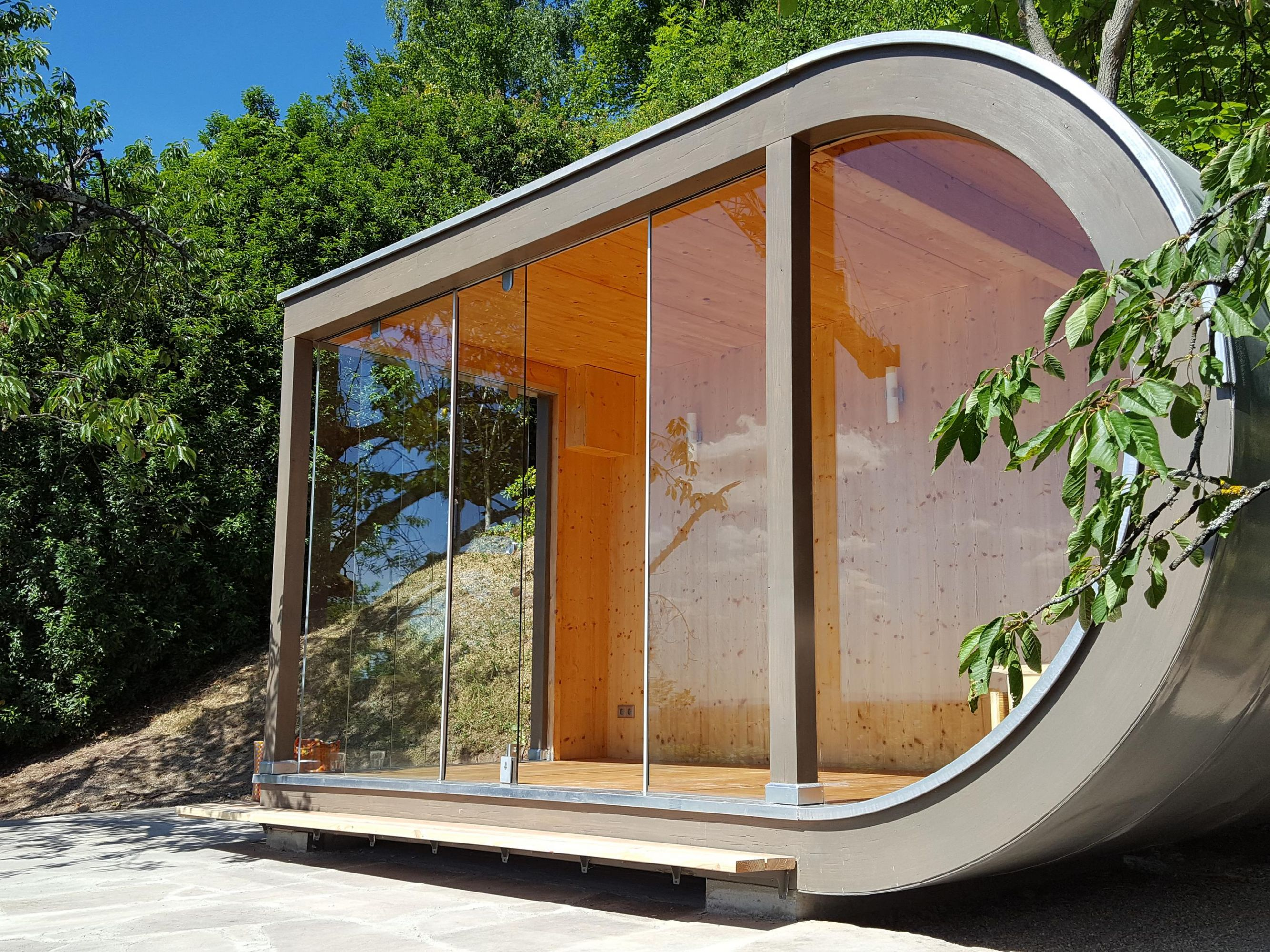 sch nes modernes gartenhaus bei heidelberg werner. Black Bedroom Furniture Sets. Home Design Ideas