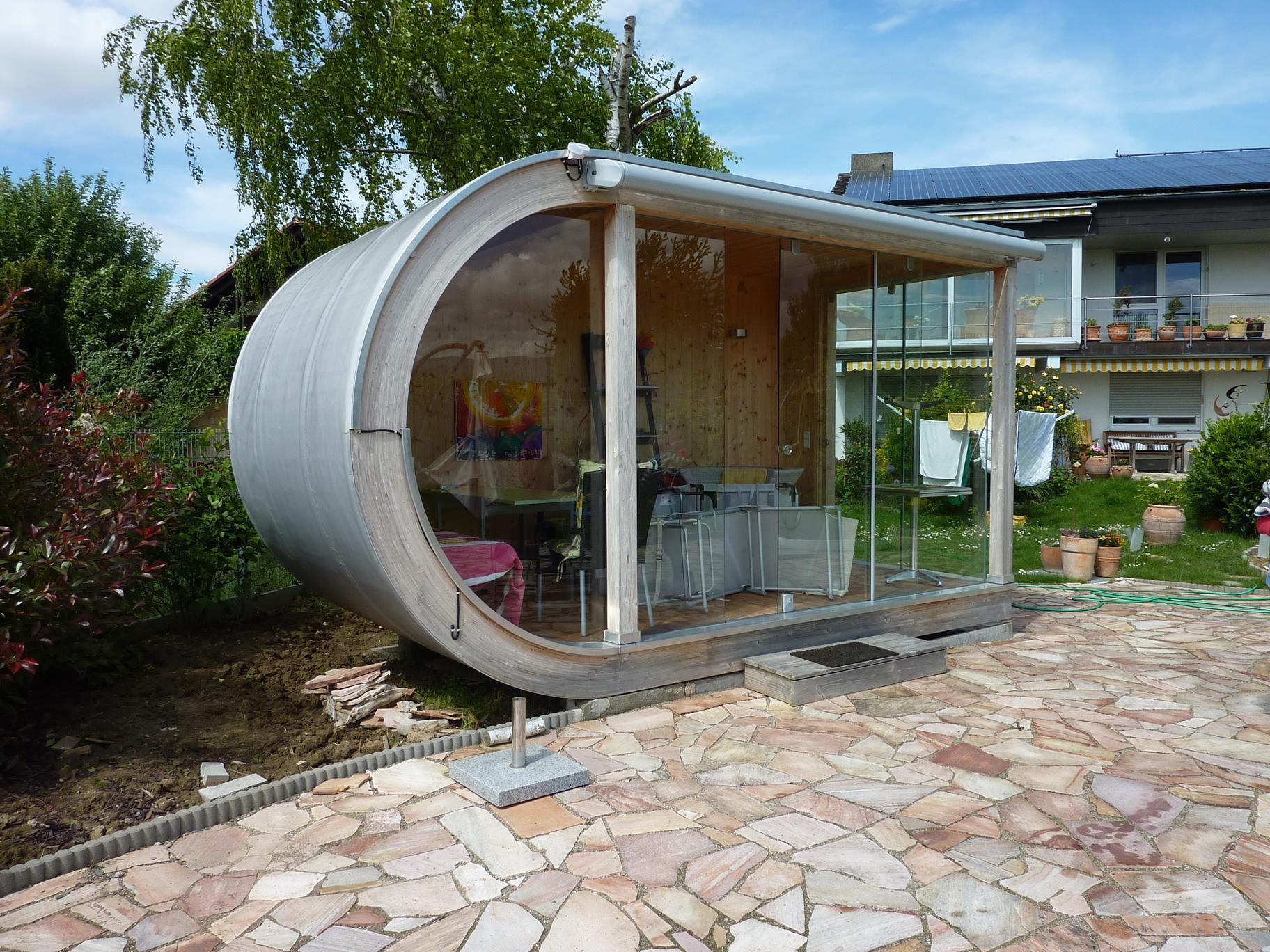Kleines rundes design gartenhaus bei freiburg werner - Gartenhaus design ...
